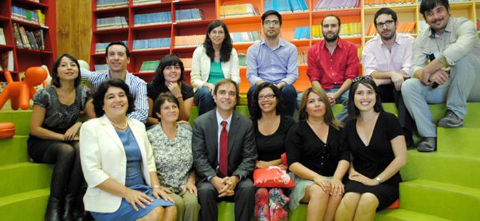 Biblioteca de la 21 bibliotecas p blicas en los centros for Centros comerciales en santiago de chile